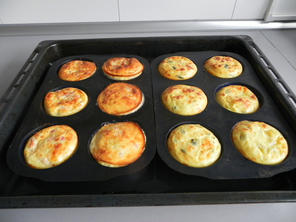 Mini quiches de bacon y de calabac n con cebolla - Cena para invitados facil ...