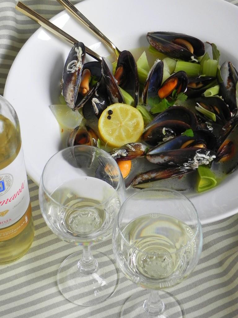 Mejillones al vino blanco