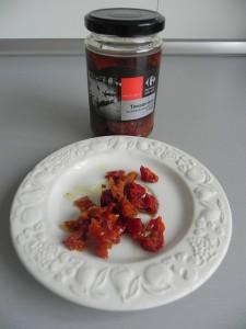 Partimos el tomate seco en trocitos pequeñosn