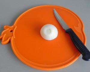 Picamos la cebolla en trocitos pequeños