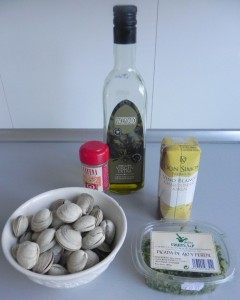 Ingredientes almejas con ajo, perejil y vino blanco