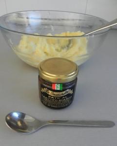 Añadimos las dos cucharaditas del paté de trufa
