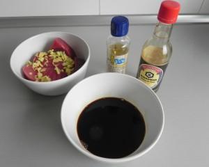Añadimos la soja y el vinagre de arroz