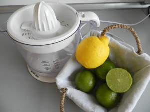 Hacemos el zumo de lima y de limón