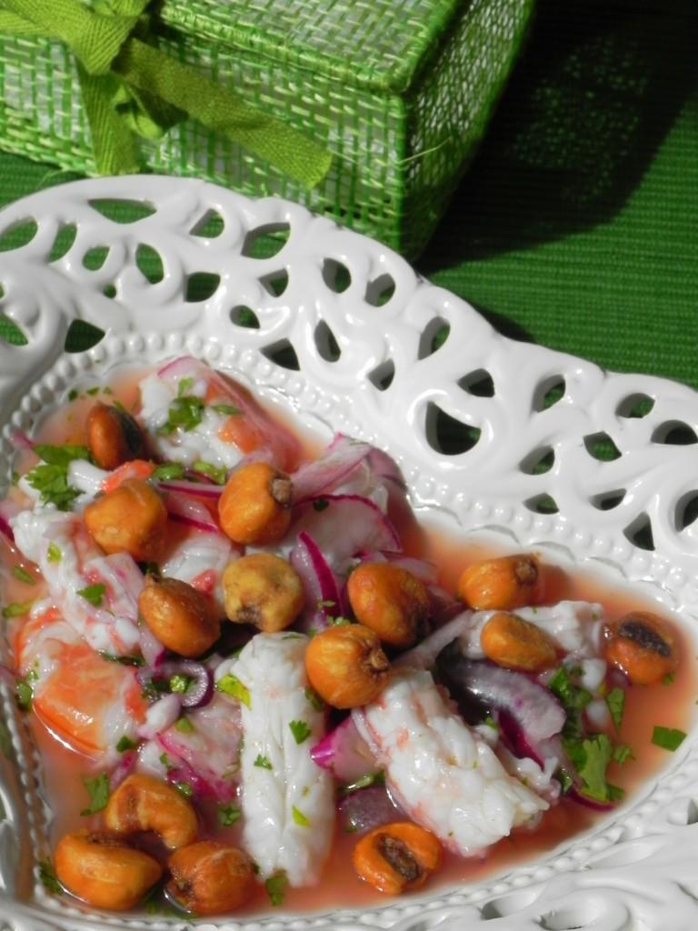 Ceviche de gambón con kikos
