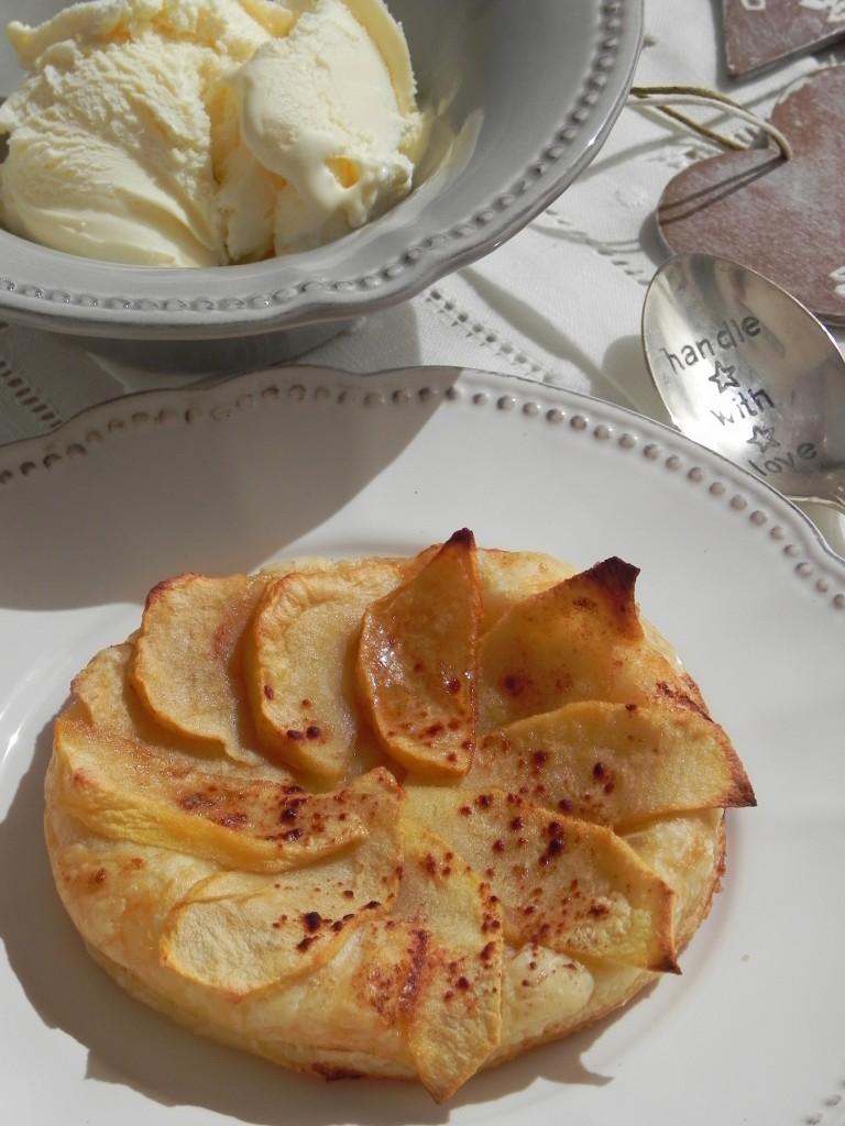 Tarta fina de manzana (en hojaldre)
