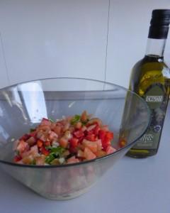 Añadimos un buen chorro de aceite de oliva virgen extra