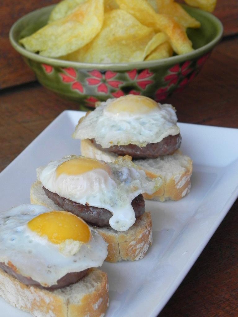 Hamburguesa con trufa y huevo de codorniz
