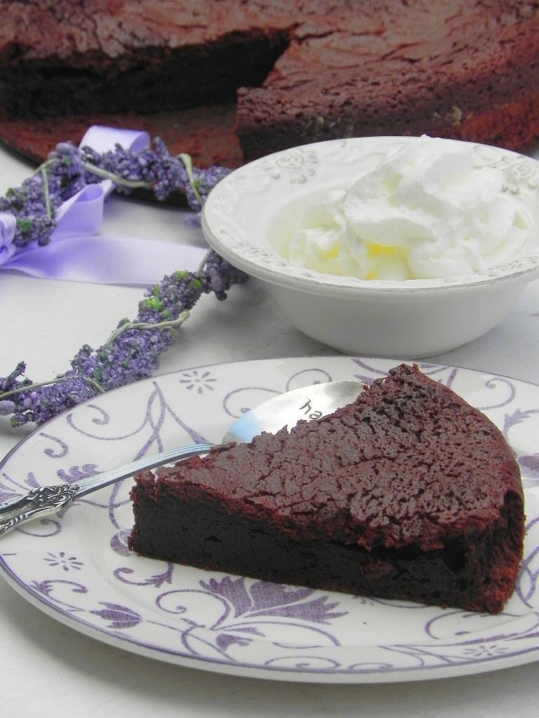 Tarta templada de chocolate negro