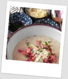 Sopa cremosa de patata (con cebolleta y bacon)