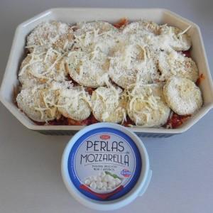 Coronamos con queso mozzarella 8en este caso, con perlitas)