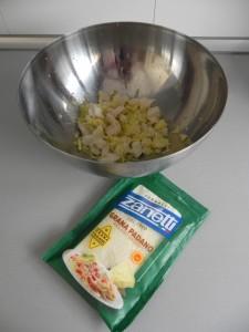 Añadimos el queso parmesano rallado