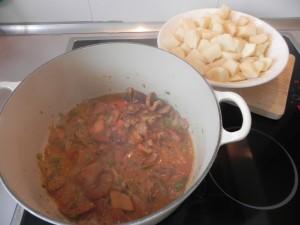 Añadís las patatas