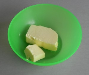 Derretimos la mantequilla en el micro