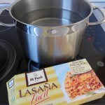 Anadimos las láminas de lasagna al agua