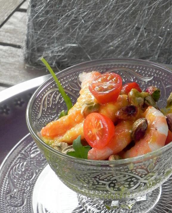 Ensalada de langostinos con vinagreta de mango