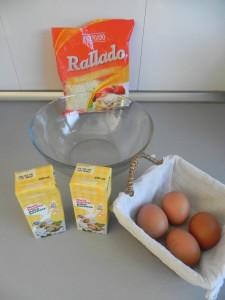 Hacemos la mezcla del relleno en un bol