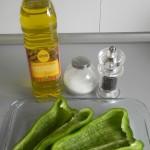 Los ponemos sobre una fuente de horno con un poco de aceite, sal y pimienta