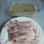 Metemos las tiras de pollo en la marinada
