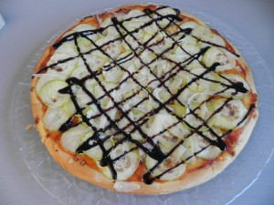 Pizza Carla de calabacín , parmesano y viangre de Módena