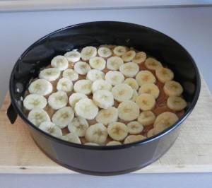 Extendemos sobre el toffee una nueva capa de rodajitas de plátano