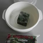 Ponemos las espinacas en un recipiente apto para microondas