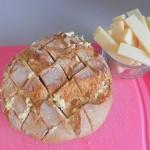 Rellenamos cada ranura con un trocito de queso