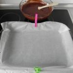 Forramos una fuente de horno con papel de horno