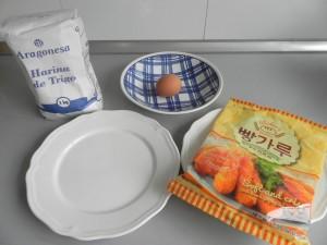 Preparamos los ingredientes del rebozado