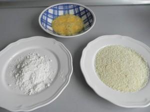 Harina, huevo batido y panko