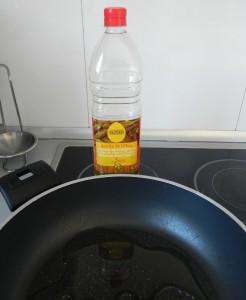 Calentamos el aceite en la sartén