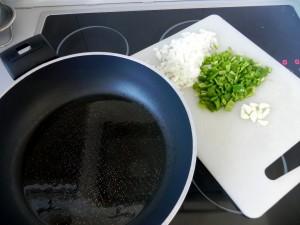 Sofreímos las verduras en el aceite caliente