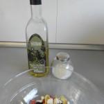 Lo añadimos al bol y aliñamos con aceite, sal y pimienta