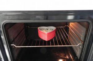 Lo metemos al horno a gratinar en la bandeja superior a 200º (vigilando para que no se queme)