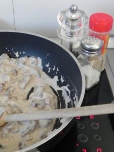 Rectificamos de sal y añadimos, si os gusta, un poco de cebolla en polvo