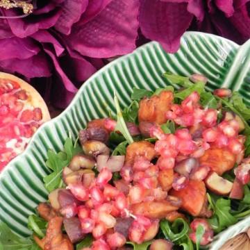 Ensalada de Invierno (con rúcula, pollo, castañas y granada)