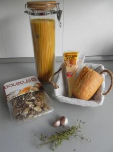 Ingredientes Spaghetti con setas y pan frito
