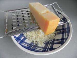 Rallamos el queso parmesano