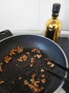 Añadimos ahora un chorrito de aceite de oliva