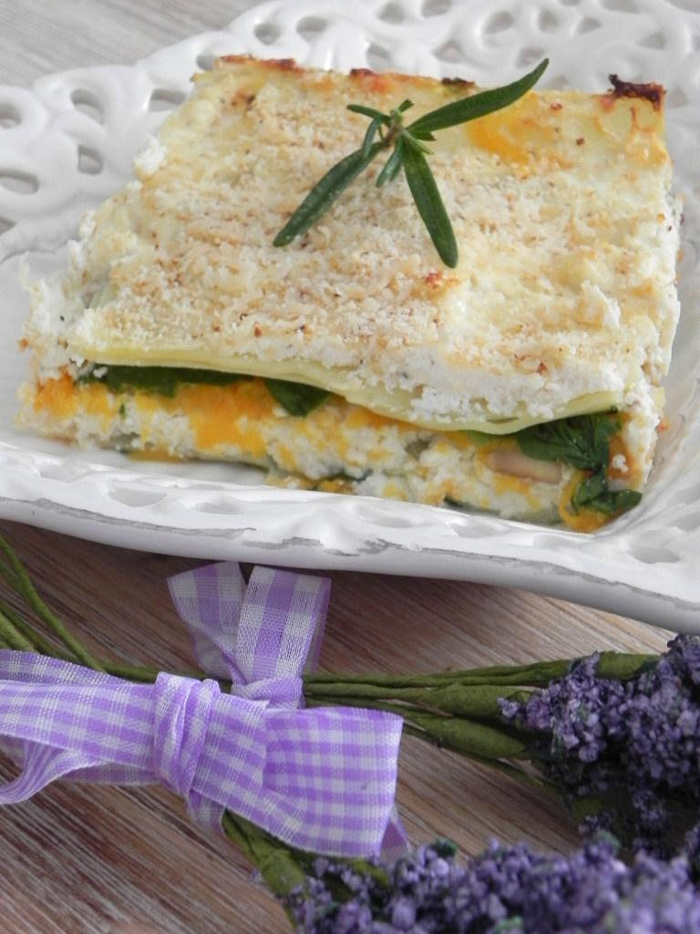 Lasaña vegetariana con calabaza, espinacas y bechamel de ricotta