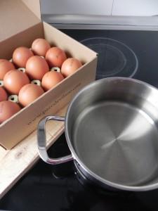 Ponemos agua a hervir para cocer los huevos