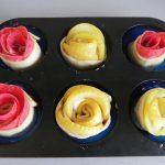 Colocamos las rosas en los huecos del molde