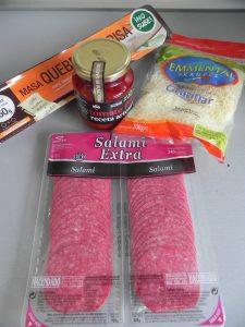 Ingredientes flores de masa quebrada (con salami y queso)