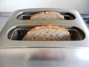 Tostamos el pan de semillas