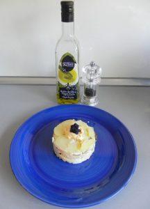 Añadimos un chorrito de aceite de oliva y pimienta