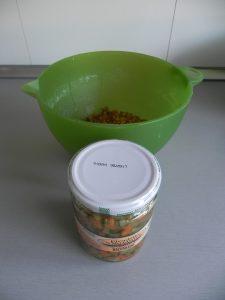 Añadimos el picadillo de verduras a las lentejas escurridas