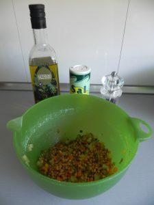 Aliñamos con aceite, sal y pimienta