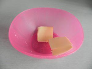 Derretimos un poco de mantequilla en el micro