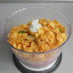 Añadimos el puñado de corn flakes