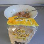 Añadimos el pan rallado y removemos bien